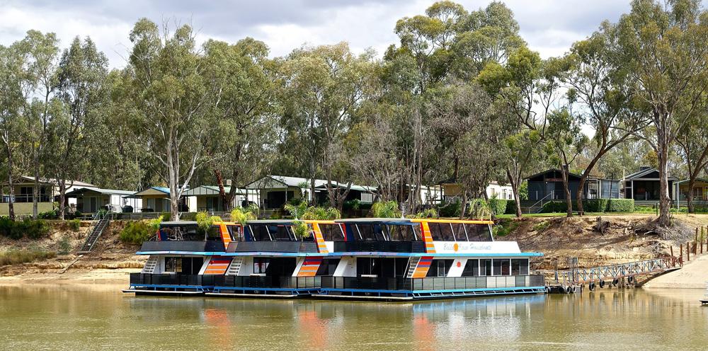 houseboats using gator pro
